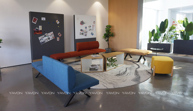 雅风办公家具展厅二楼休闲区展示